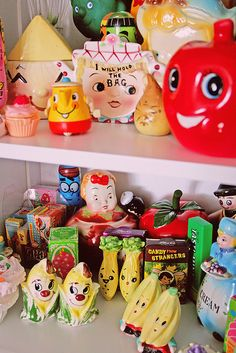 Kitsch overload S&P shakers!