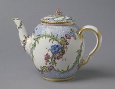 Teapot Sèvres Porcelain Manufactory, France, 1759 The Philadelphia Museum of Art