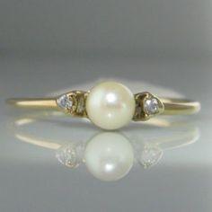 Pearl And Diamond Ring Gold Vintage Diamond, Vintage Rings, Unique Vintage, Pearl Jewelry, Jewelry Rings, Pearl Earrings, Jewellery, Pearl And Diamond Ring, Diamond Engagement Rings