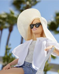 Looking forward to the future of What do you want to see more of? Barbie Life, Barbie World, Barbie Tumblr, Black Bratz Doll, Barbies Pics, Barbies Dolls, Sewing Barbie Clothes, Barbie Model, Barbie Style