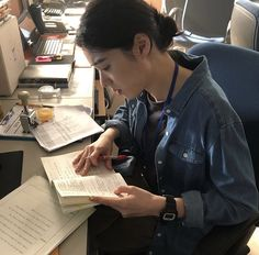 Aesthetic Japan, Korean Aesthetic, Book Aesthetic, School Motivation, Study Motivation, Keep Calm And Study, Campus Style, Intelligent Women, Study Hard