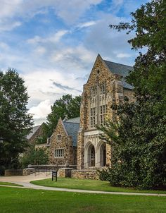 College building in Memphis, Tennessee, USA http://www.vacationrentalpeople.com/vacation-rentals.aspx/World/USA/Tennessee
