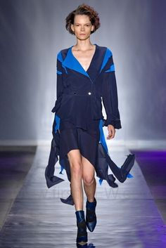BobStore -  Spring / Summer 2020  Sao Paulo Spring Summer, Ideias Fashion, Fashion Show, Wrap Dress, Runway, Street Style, How To Wear, Collection, Dresses
