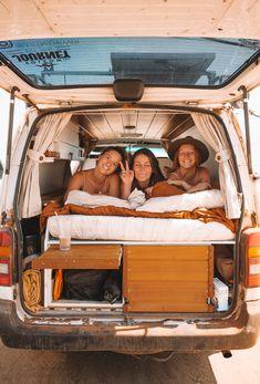 Travel Pictures, Cool Pictures, Van Home, Bus Life, Van Living, Van Camping, Travel Humor, Gap Year, Vw T1