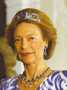 Grand Duchess Joséphine-Charlotte of Luxembourg in sapphire and diamond earrings, a diamond and sapphire necklace that also can be worn as a tiara, and an usual Art Deco Sapphire tiara. Royal Crown Jewels, Royal Crowns, Royal Tiaras, Royal Jewelry, Tiaras And Crowns, Jewelry Box, Diamond Tennis Necklace, Sapphire And Diamond Earrings, Blue Sapphire