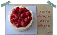 Entre núvols de cotó: Pastís mousse de mascarpone i llimona amb gerds / Pastel mousse de mascarpone y limón con frambuesas.
