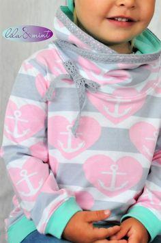 Neue Jahreszeit = neue Outfits Ich nähe total gerne für die kalte Jahreszeit! Denn ich finde Hoodies mit Kragen oder Kapuze, Cardigans, Mützen, Schals etc. erzeugen ein muckeliges Wohlfühlgefühl… D…