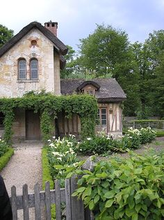 le hameau de la reine:la maison du gardien