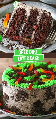 This Dirt Cake is a moist chocolate cake filled with frosting that's loaded with Oreos and layered with more Oreo crumbs! It's even got gummy worms between the cake layers for a cake that's creepy-crawly and perfect for Halloween! Best Chocolate Desserts, Amazing Chocolate Cake Recipe, Easy No Bake Desserts, Delicious Desserts, Halloween Desserts, Halloween Chocolate Cake, Haloween Cakes, Dirt Cake, Homemade Snickers