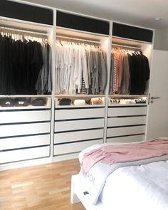 Closet Layout 506443920600513384 - Source by LouCajou Wardrobe Room, Wardrobe Design Bedroom, Closet Bedroom, Home Bedroom, Bedroom Decor, Ikea Walk In Wardrobe, Dressing Room Design, Ikea Dressing Room, Closet Layout