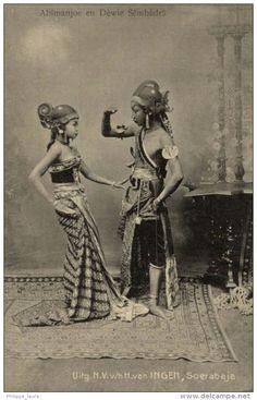 ABIMANJOE EN DEWIE SEMBADRA. UITG. N. V. v/h H. van INGEN, SOERABAJA #soerabaja #postcard #indonesia
