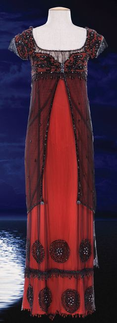 """Kate Winslet's dress from """"Titanic"""", designed by Deborah L. Scott. - Rose is wearing this dress when she meets jack on the Titanic deck for the first time."""