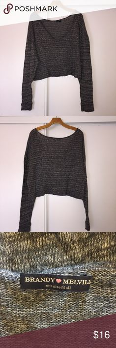 """Brandy Melville Top❣️ Good condition! Slightly cropped. Pit to pit 26"""". Feel free to make an offer! No trades ❌❌ No modeling Brandy Melville Tops"""