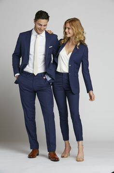 Women's wedding suit in blue for the alternative bride or maid! - Women's wedding suit in blue for the alternative bride or maid! suit Women's Suits & Tuxedos Source by - Slim Fit Tuxedo, Tuxedo Suit, White Tuxedo, Suit Fashion, Look Fashion, Dress Suits, Women's Suits, Tweed Suits, Suits Women