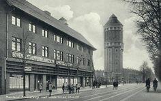 Gezicht in de Amsterdamsestraatweg te Utrecht met op de achtergrond de watertoren.ca 1935