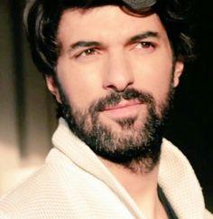 Engin akyurek Turkish Beauty, Turkish Actors, Best Actor, Best Tv, Kara, Actors & Actresses, Tv Series, Cool Photos, That Look