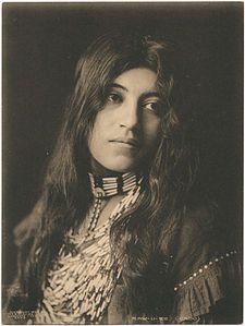Caddo maiden.  Kaw-u-tz, photographed in 1906