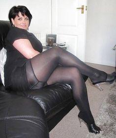 Hot Mom http://milf-trest.com/