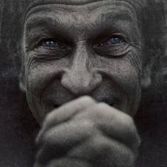 35PHOTO - Andrey Zharov - То ли плачет, то ли смеется, разговаривая с Ним.