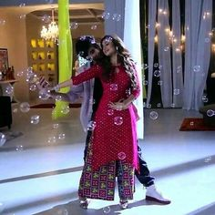 Bepanah 💕 Simple Kurti Designs, Salwar Designs, Blouse Designs, Ethnic Outfits, Fashion Outfits, Womens Fashion, Jennifer Winget Beyhadh, Pakistani Fashion Casual, Queen Fashion