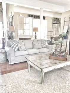 Beautiful White Shabby Chic Living Room Decoration Ideas 22