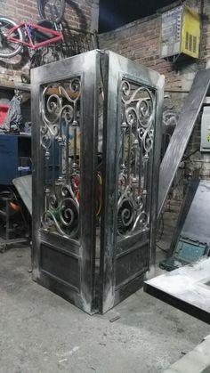 Joker Pics, Door Gate Design, Home Appliances, Doors, Home Decor, Driveway Gate, Arched Doors, Iron Gate Design, Iron Doors