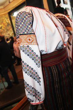 Diana, Sari, Costume, Moldova, Romania, Country, Fashion, Saree, Moda