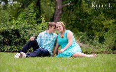 outdoor engagement photos in columbia, sc | Kelly L Photography