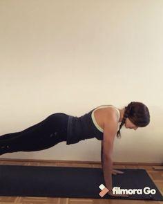 Liegestütz-Variation: Cobra to Push Up, Workout für Zuhause. Übung für Anfänger.