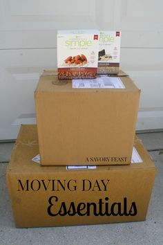 Moving Day Essentials // Your big day will be much easier with these essential moving day items! Great tips and tricks to make moving go smoothly.