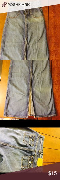 Flash sale! Polo jeans denim maxi skirt Awesome (maybe vintage) polo jeans denim maxi skirt. Woman's size 2. Waist measure (flat across) 14 inches length is 39 inches and the slit in front is 22 inches. Does have some wear. Two hour Flash sale. No offers accepted. Bundle discount still applies! Polo by Ralph Lauren Skirts Maxi