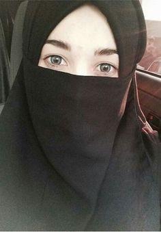 Arab Girls Hijab, Girl Hijab, Muslim Girls, Niqab Eyes, Hijab Niqab, Hijab Fashion, Women's Fashion, Hijab Dpz, Hijab Cartoon