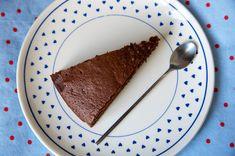 Voici une recette vraiment très facile à réaliser de moelleux au chocolat, sans gluten et sans lait !