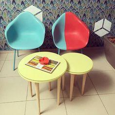 Muito amor nesse conjuntinho de mesa de centro com pé palito. Será que vocês adivinham de onde é? Novidades em breve! Não percam! <3  #pépalito #retrô #vintage #mesinha #euquefiz #DIY #mãonamassa #criatividade #decoração #decor #mesadecentro #sala #nostalgia #cores #façavocêmesmo #amo #maiscorporfavor