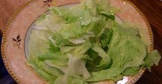 Salat ist eine gute Sache. Jeder weiß ein Lied davon zu singen: einen guten gemischten Salat herzustellen ist richtig Arbeit. Am besten man beschäftigt eine Küchehilfe, die Stunden damit zubringt, Gemüse zu waschen, zu putzen und kleinzuschnitzeln.
