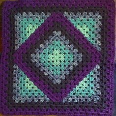 I made mine with 3 levels. (a square within a diamond within a square) I used 5 colors of 7 oz skeins. Now the outermost color used almost all of 1 7 oz skein, and the rest in decreasing amounts. The skeins i used are 365 yds long. The innermost color used hardly a third of that, so plan your skeins accordingly.