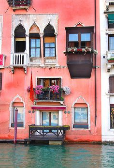 Grand Canal - Venice, Italy. Makes me want to paint my world in this shade of pink. #myperfectPANDORAsummer @officialpandora