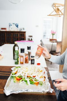 Lisa Allen of Salty Lashes making one pan chicken fajitas using Trader Joe's Chili Lime Seasoning Oven Baked Fajitas, Baked Chicken Fajitas, Chicken Fajita Recipe, Oven Baked Chicken, Chicken Seasoning, Chili Lime Seasoning Recipe, One Pan Chicken, Lisa Allen, Healthy Food
