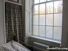 DIY-Sichtschutz: So können Nachbarn nicht mehr ins Fenster gucken