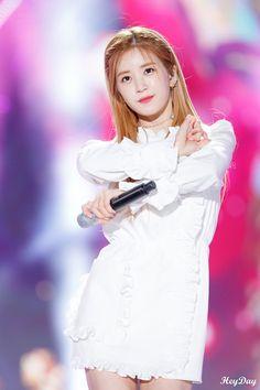 Pink Panda, Kpop Girls, My Idol, Rapper, Entertaining, Park, Celebrities, Beauty, Collection
