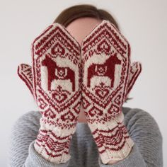Juliabe - amazing illustrator, and best mittens ever