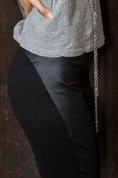 AMOTA Chap Leggings
