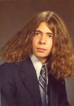 he combed his hair carefully to make sure it was just right Funny Yearbook, Yearbook Photos, Weird Family Photos, Funny Photos, Awkward Pictures, Beautiful Haircuts, High Society, Bad Hair Day, Facial Hair