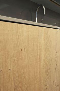 Detail Scratched Querkus - The finest oak collection http://www.baars-bloemhoff.nl/onze-merken/querkus/