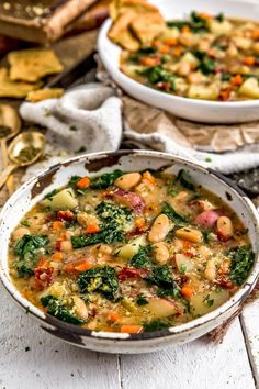You Have Meals Poisoning More Normally Than You're Thinking That Cozy And Bursting With Italian Spices, This Amazing Tuscan Kale Potato Bean Soup Is Packed With Powerhouse Ingredients All Bathed In A Luscious Broth. Healthy Recipes, Whole Food Recipes, Vegetarian Recipes, Cooking Recipes, Vegetarian Kale Soup, Health Soup Recipes, Recipes With Kale, Vegan Bean Soup, Kale And Bean Soup