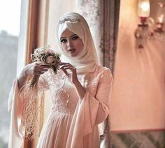 Find images and videos about fashion, beauty and makeup on We Heart It - the app to get lost in what you love. Hijabi Wedding, Wedding Bride, Wedding Dresses, Bridal Hijab, Hijab Bride, Islamic Fashion, Muslim Fashion, Beau Hijab, Muslim Brides