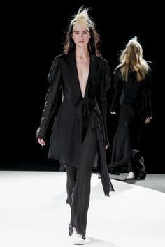 Yohji Yamamoto Spring 2013 Ready-to-Wear