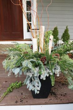 How to make Outdoor Winter Planters with these step-by-step tutorial from Darling Darleen Outdoor Christmas Planters, Christmas Urns, Outdoor Christmas Decorations, Christmas Crafts, Outdoor Planters, Window Planters, Christmas Activities, Garden Planters, Christmas Ideas
