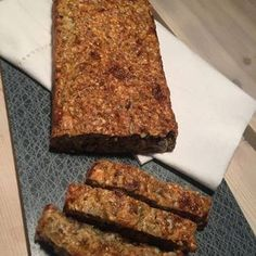 Kesobröd – enkelt recept Bread Recipes, Cooking Recipes, Healthy Recipes, Date Dinner, Something Sweet, Holiday Recipes, Food To Make, Banana Bread, Food And Drink