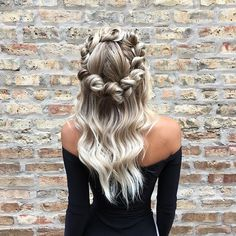 flower braid crown + white blonde waves hairstyle by goldplaited unique prom hairstyle hairstyles for long hair Box Braids Hairstyles, Prom Hairstyles For Short Hair, Wedding Hairstyles, Prom Hair Medium, Medium Hair Styles, Curly Hair Styles, Prom Hair Updo Elegant, Blonde Waves, Flower Braids